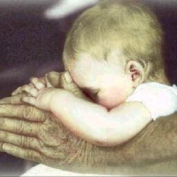 il potere di adesso bambino che prega
