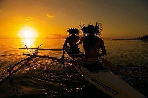 saluto hawaiano e la ciotola di luce